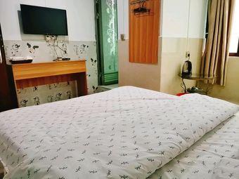 鸿鑫公寓标准大床房英阳公园文化广场