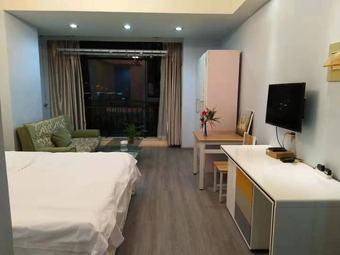 柯桥银泰百货清新小屋民宿公寓
