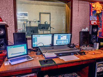 宋老师录音棚与声乐教学
