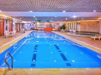 太阳现代居游泳桑拿会馆