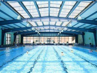西美商务酒店游泳馆