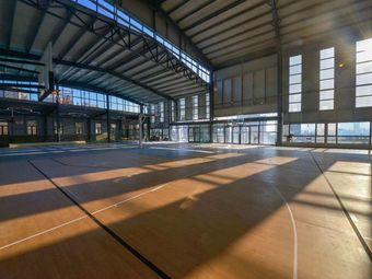 可凡羽毛球篮球公园
