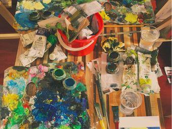 星期天成人绘画工作室