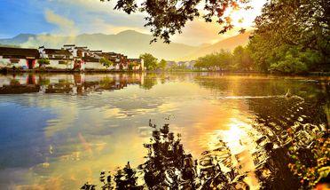 【常州出发】黄山宏村景区、黄山风景区、新安江滨水旅游景区3日跟团游-美团