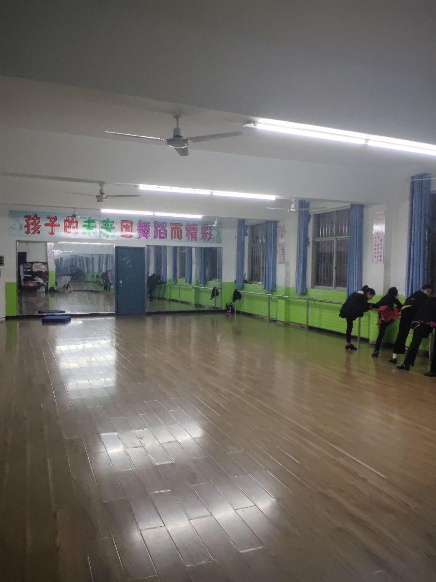 七夕艺术学校
