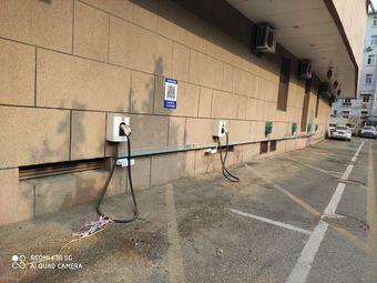 特来电汽车充电站(济南梅苑珍珠酒店)
