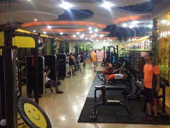 绿动国际健身美容会所(金棕榈店)