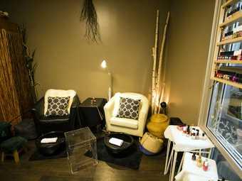 Hue's St Nail Salon