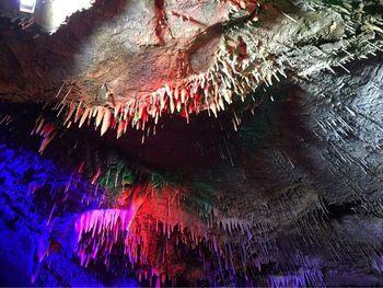 【临沂出发】天谷·天然地下画廊、雪山彩虹谷景区纯玩1日跟团游-美团