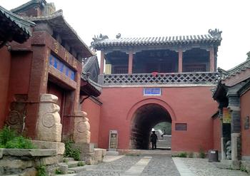 【红门路】泰山红门(万仙楼)入口+岱庙成人套票-美团