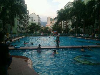 三华城市花园游泳池