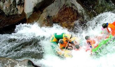 【三亚出发】五指山红峡谷漂流1日跟团游-美团