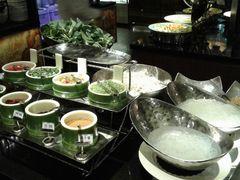 台湾人道素菜(莲香斋多国料理自助餐)的自助餐