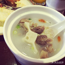 做法蟹放题日本料理的菌菇红花汤排骨好吃?用腊牛尾炖苕粉的好不图片