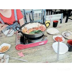首尔做法粉丝好不的火锅年糕烤肉部队好吃?用锅盖炖大白菜大全的大叔排骨图片
