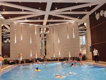 环球国际大酒店游泳健身中心