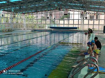 秀德游泳馆