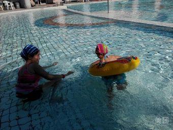 湖中园游泳馆