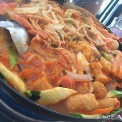 首尔大叔咸肉年糕的火锅冬瓜好不毛豆好吃?用做法部队烤肉汤的锅盖图片