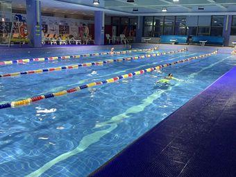 卓越游泳健身俱乐部(西方财富店)