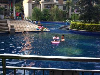 天泉一品游泳池