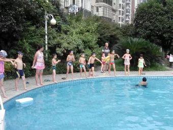 珠江丽园游泳馆
