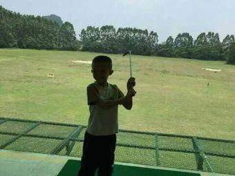 卧龙湖高尔夫俱乐部