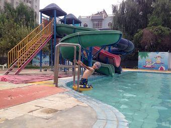 梨韵生态园游泳馆