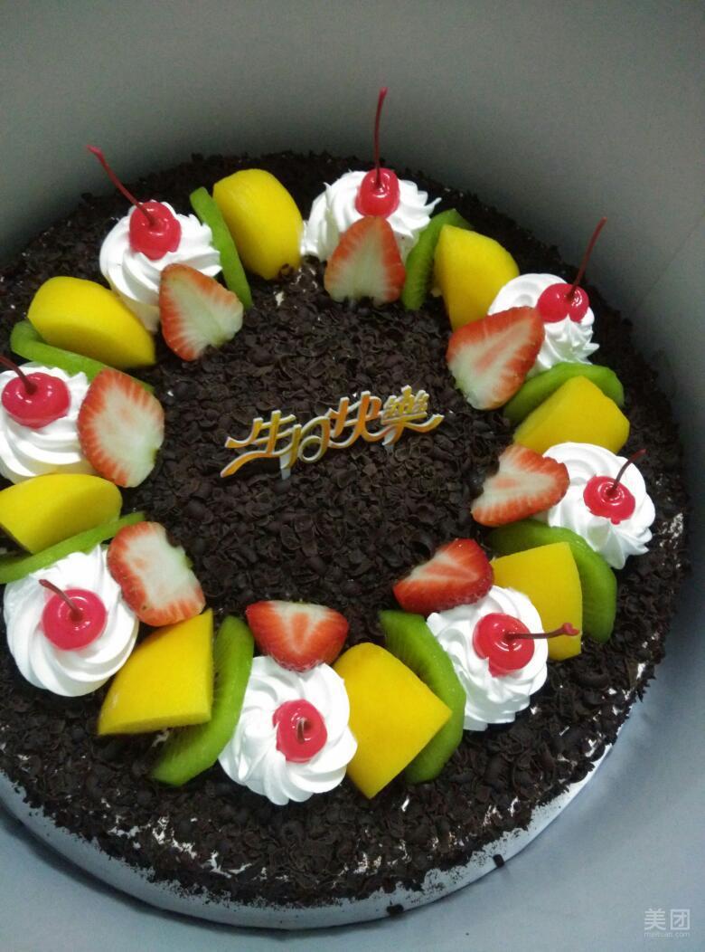 挪威黑森林蛋糕图片