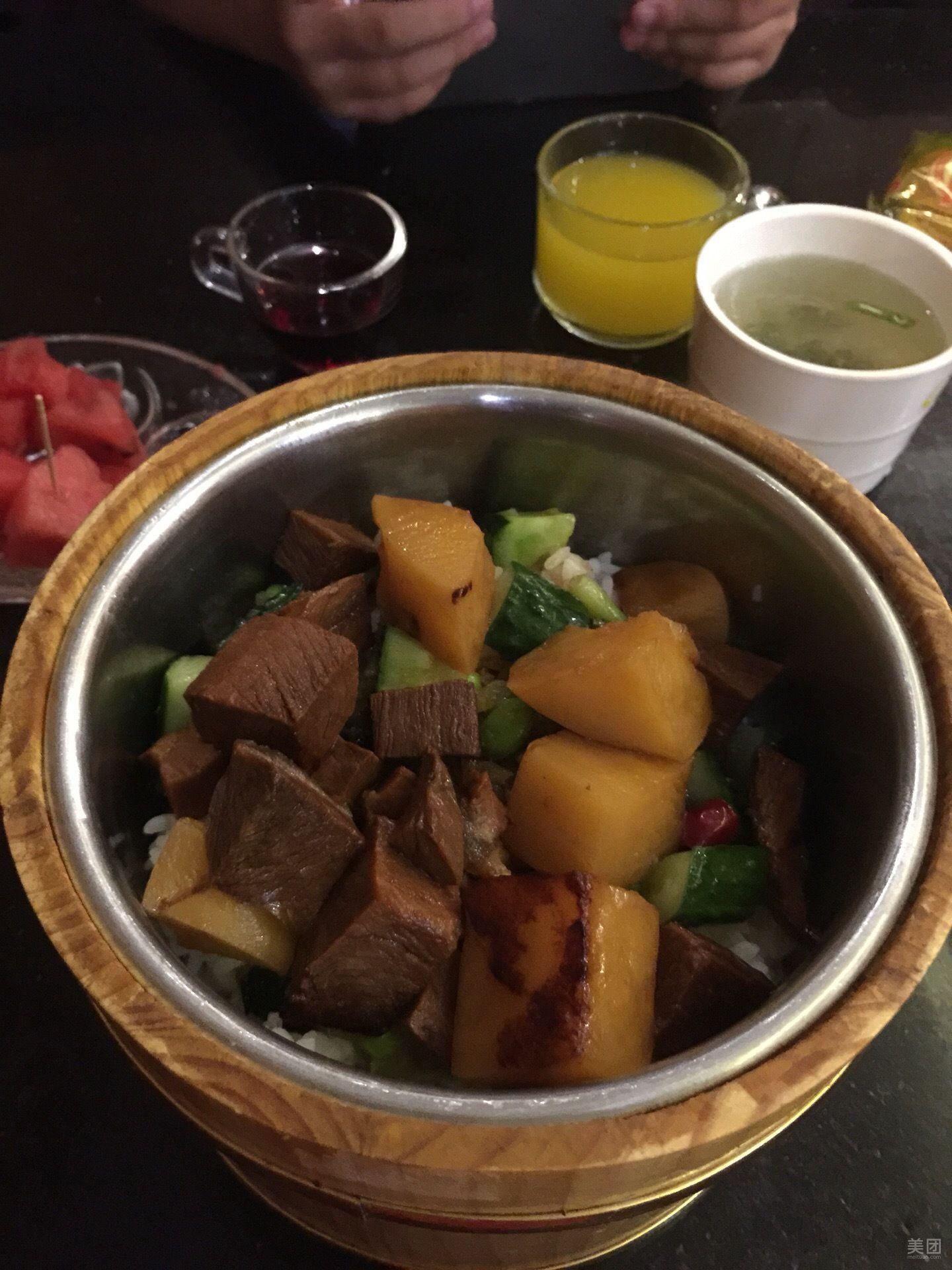 红烧牛肉木桶饭-金菠萝(解放中路店)-美团