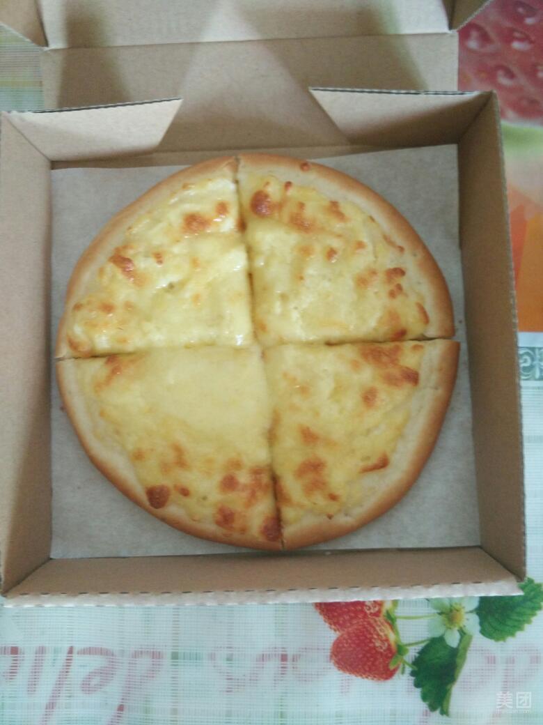 卡吉鲜果寿司披萨 水果种类不算多,但都很新鲜精致,鲜榨果汁直接从图片