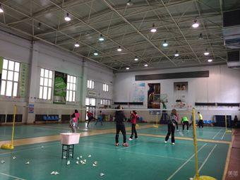 龙宇乒乓球羽毛球训练基地