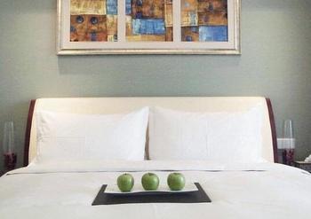 【上海等】上海和平豪生大酒店 1 晚+上海迪士尼度假区门票-美团
