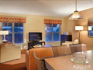 赫爾希藍綠度假套房酒店