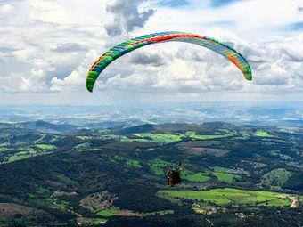 保定顺平白龙山滑翔伞航空飞行营地