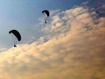 追风者滑翔伞基地