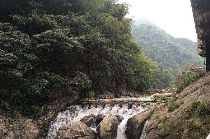 风景区,西与世界第二,亚洲第一的天荒坪抽水蓄能电站相连,湖州通向