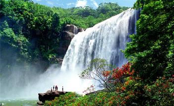 【成都出发】赤水大瀑布、赤水白马溪、佛光岩2日跟团游*赠送贵州风情晚会-美团