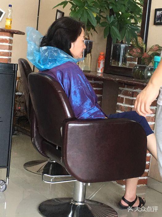 帝恩美学:抽中了霸王餐,提前一天预约,第.济南丽张柏芝可爱丸子头图片