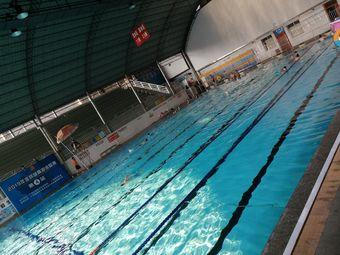 奥泰游泳健身