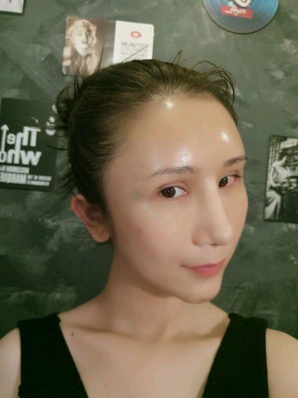 满月后第一件事当然就是出去好好玩一下了,但先画个妆出门。让我感觉到现在随便化一化淡妆,都比以前化一两个小时的精致浓妆的还要好看很多,不管从正脸还是侧脸都精致很多,主要是鼻翼和鼻头不那么宽大了,脸型也比较规整。现在消肿蛮快的,比我预期的要更快一些。