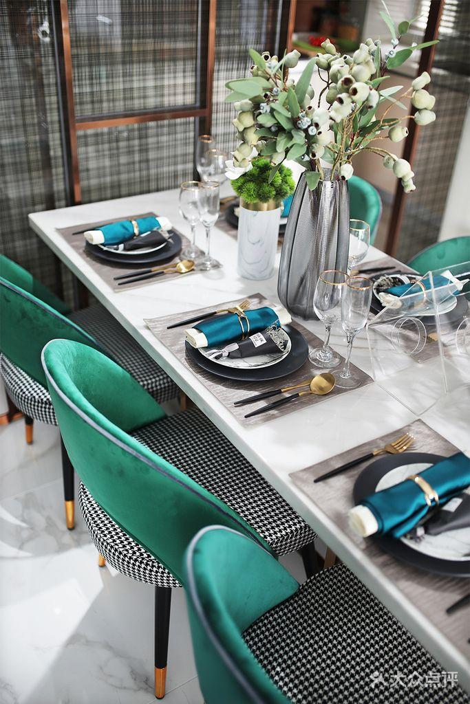 110平米四室两厅现代简约风格餐厅图片大全