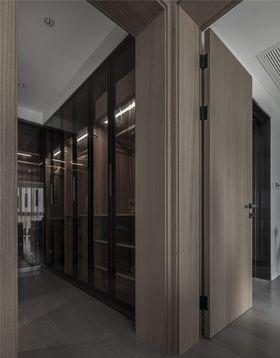 140平米三室两厅现代简约风格衣帽间图