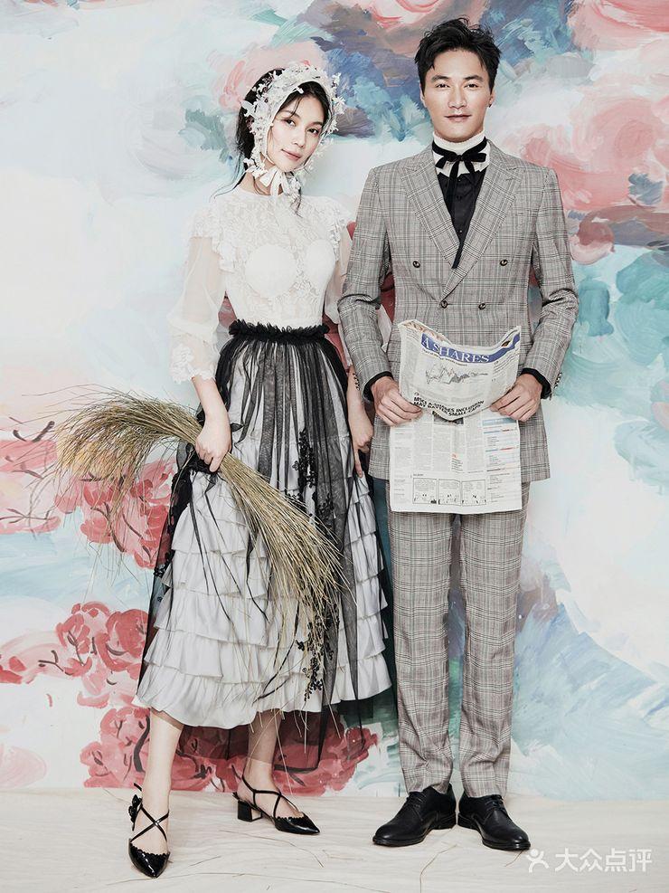 重庆路/人民广场 婚纱摄影 传奇映画摄影机构  服装 造型:6套 场景