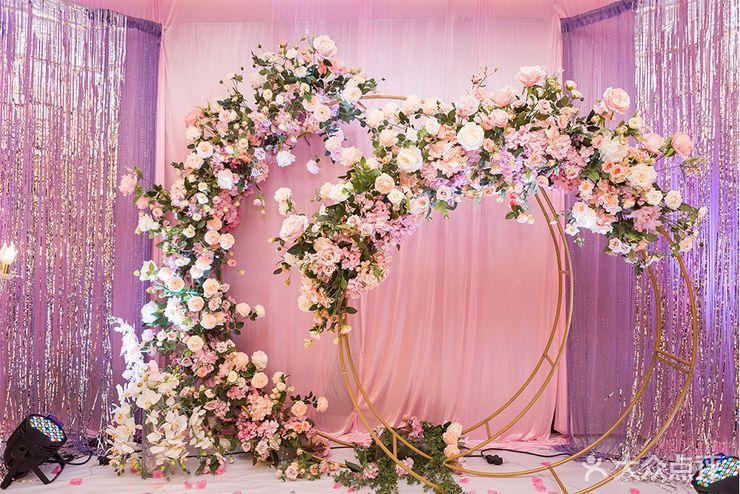 落霞苑商业街 婚庆公司 婚礼策划 名门婚典  布置 迎宾区:迎宾区 仪式