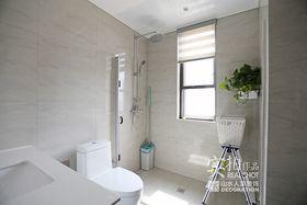90平米三室两厅中式风格卫生间图