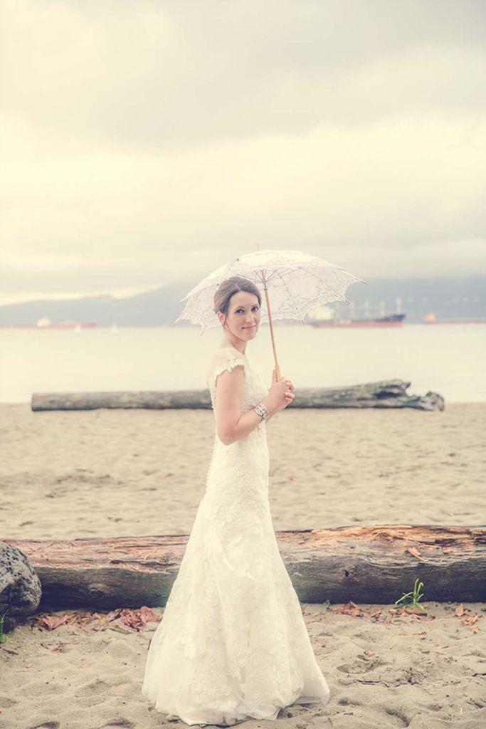 淅淅沥沥 阴雨天下的复古主题婚礼