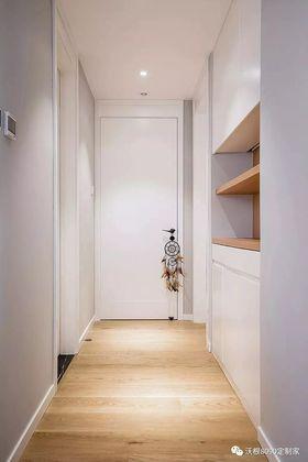 现代简约风格走廊装修效果图