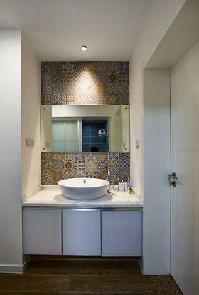 富裕型130平米复式现代简约风格卫生间装修效果图
