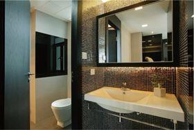5-10万130平米三室两厅现代简约风格卫生间欣赏图